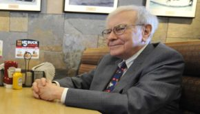 Someone Just Paid $3.4M to Have Lunch With Warren Buffett
