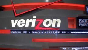 Verizon (VZ) Reacts To Yahoo's (YHOO) Data Breach