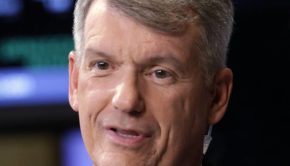 """New Wells Fargo (WFC) CEO Tim Sloan Is """"Sorry"""" For this"""