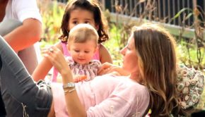 Gisele Bundchen Gave Away All Of Her Kids Halloween Candy