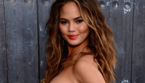 Chrissy Teigen Is Back In A Bikini For 2017's Sports Illustrated Swimsuit Issue