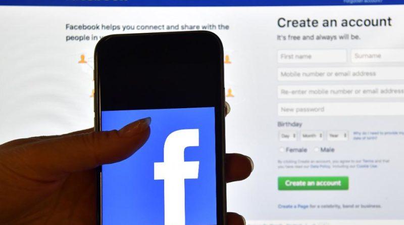 Facebook (NASDAQ:FB)