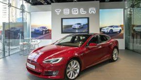 Tesla Crashes After Goldman Sachs Did This