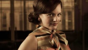 This Is Why Elizabeth Moss Left the Room When Leah Remini Won an Award