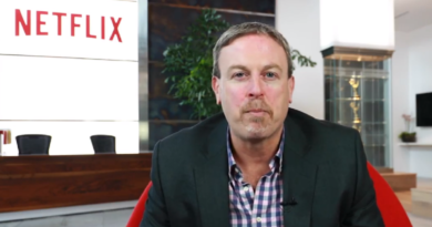 Netflix CFO is Stepping Down As Soon as Company Finds a Successor