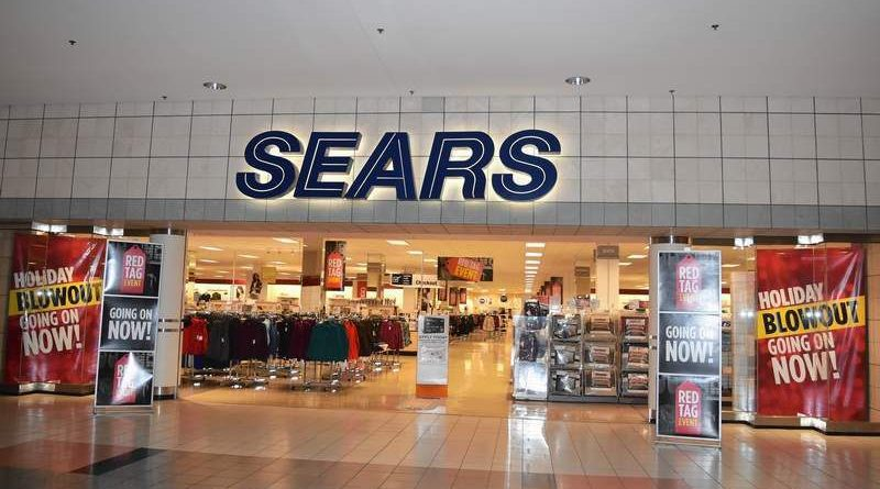 Sears CEO Leaves the Company as it Declares Bankruptcy
